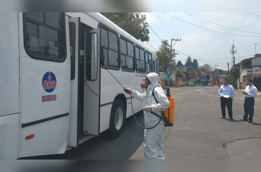 Camiones del Servicio Urbano de Xalapa iniciaron con la fumigación