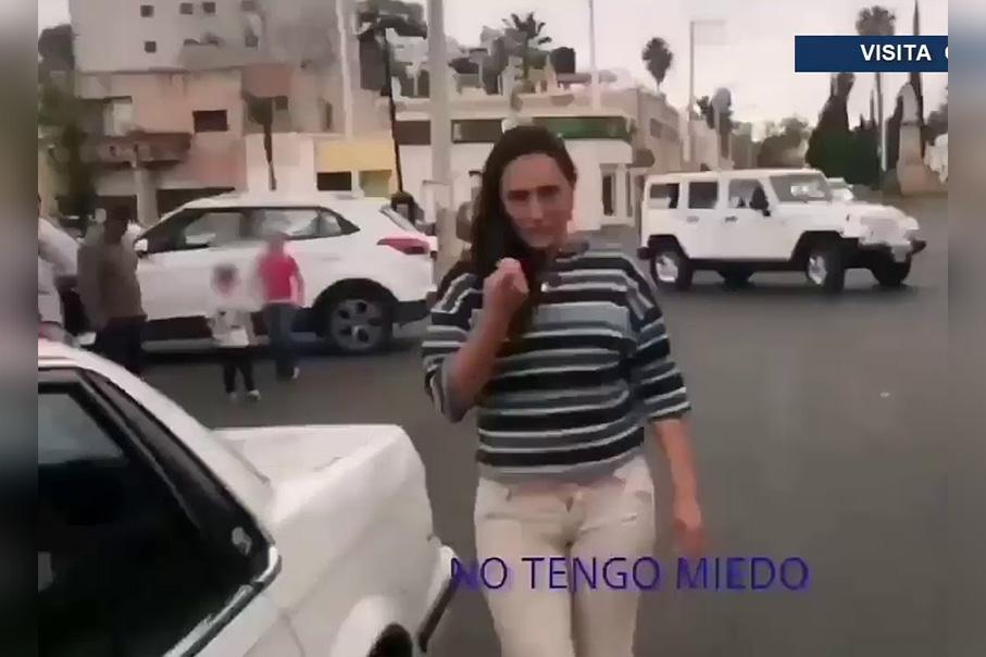 Hombre le reclama a mujer por abandono de hijos en un Oxxo