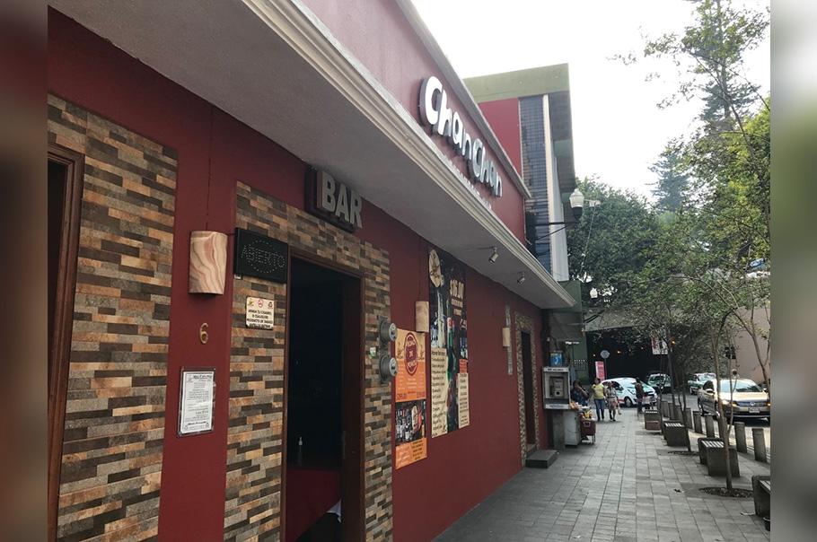 Sin instrucción oficial para cerrar bares en Xalapa por coronavirus