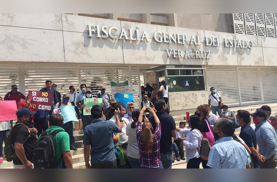 Maestros de la entidad veracruzana denunciaron un presunto fraude ante la Fiscalía