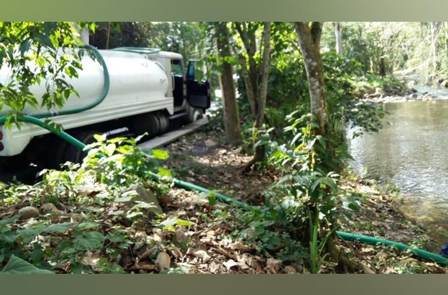 Vecinos del río Pixquiac denuncian saqueo del agua