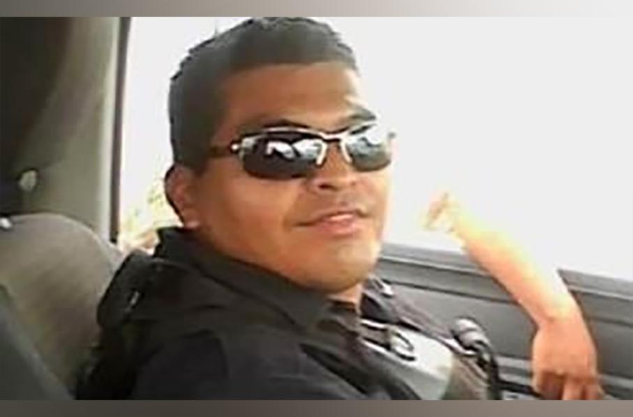 Videograban a supuesto policía de Nuevo León golpeando cruelmente a su hijo