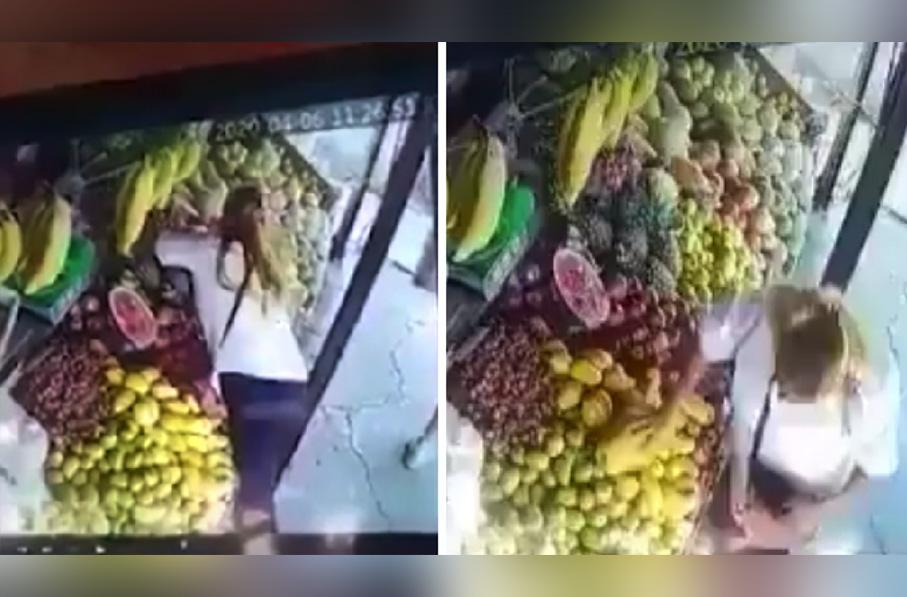 Ya no hay respeto mujer es grabada robando el celular