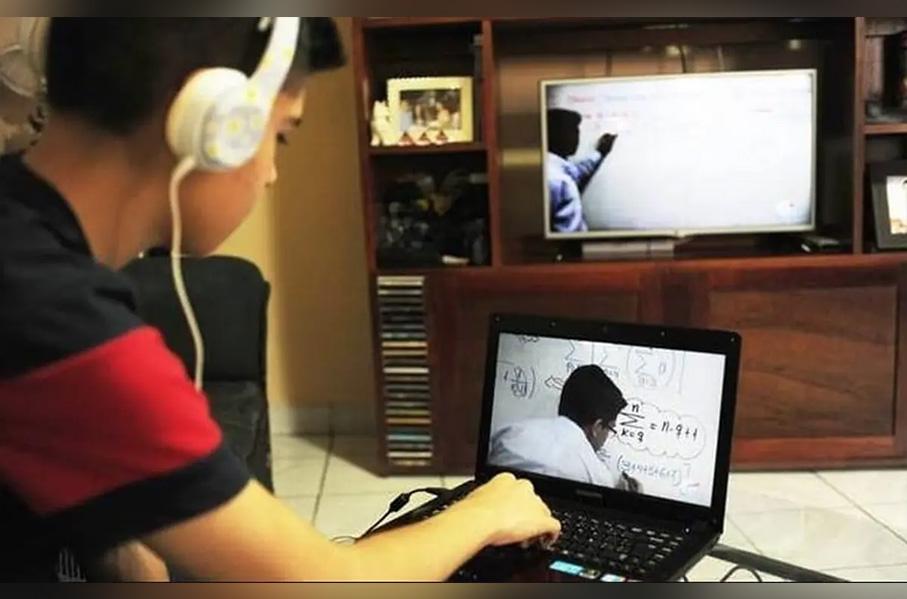 El Bronco dijo que la etapa moderna de educación vía televisión no sirve