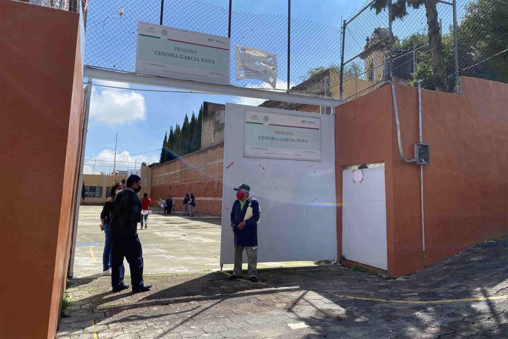 Escuela primaria Cenobia García Nava cierra por covid-19 en CDMX; al menos 5 niños resultaron positivos